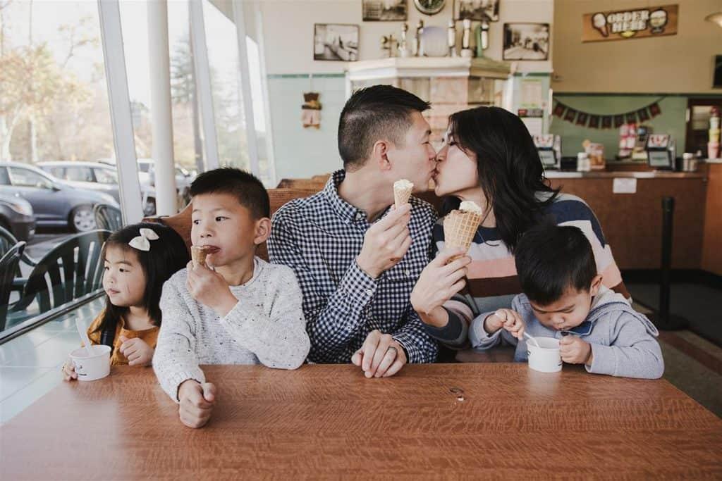 sharing a kiss at gunthers ice cream sacramento